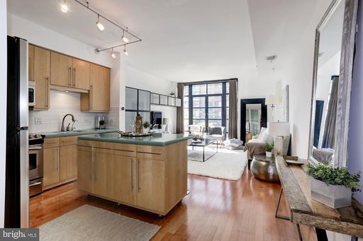 437 NEW YORK AVE NW #206