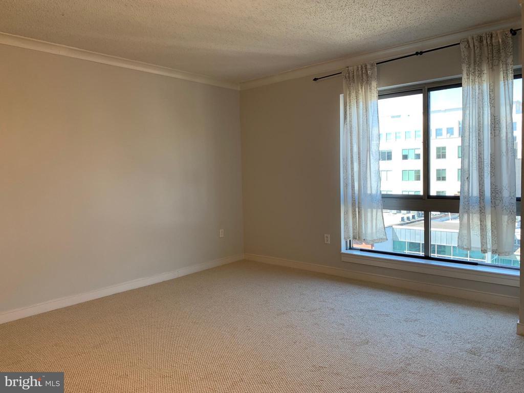 Family Room - 777 7TH ST NW #724, WASHINGTON