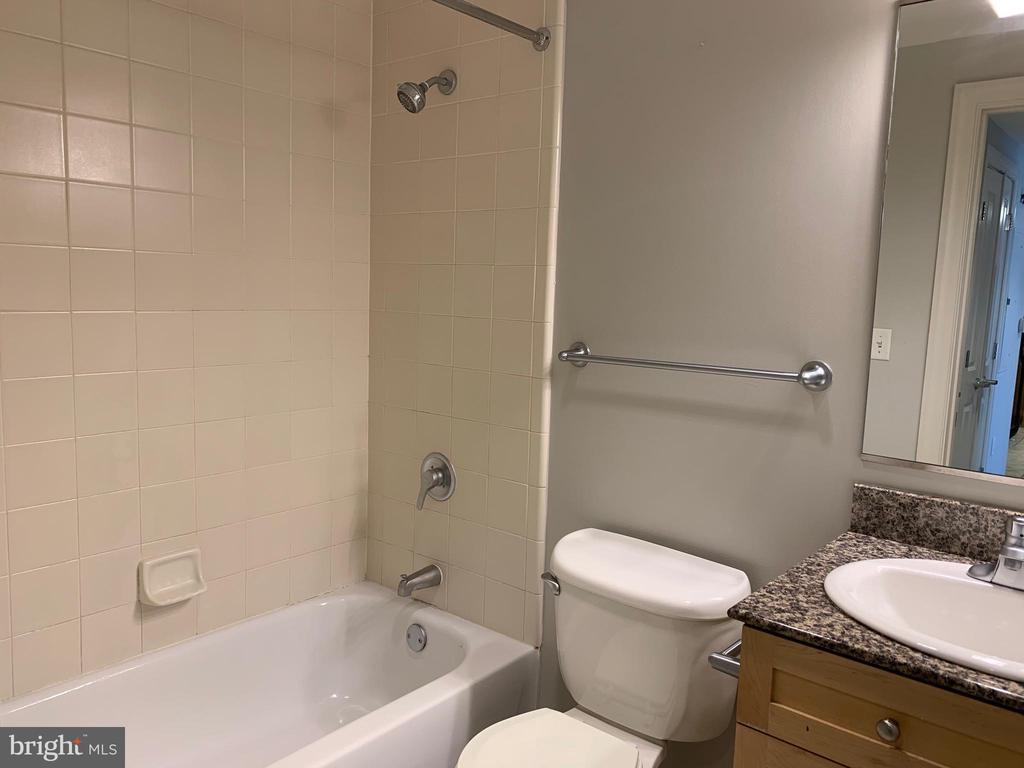 Bedroom 2 Bathroom - 777 7TH ST NW #724, WASHINGTON