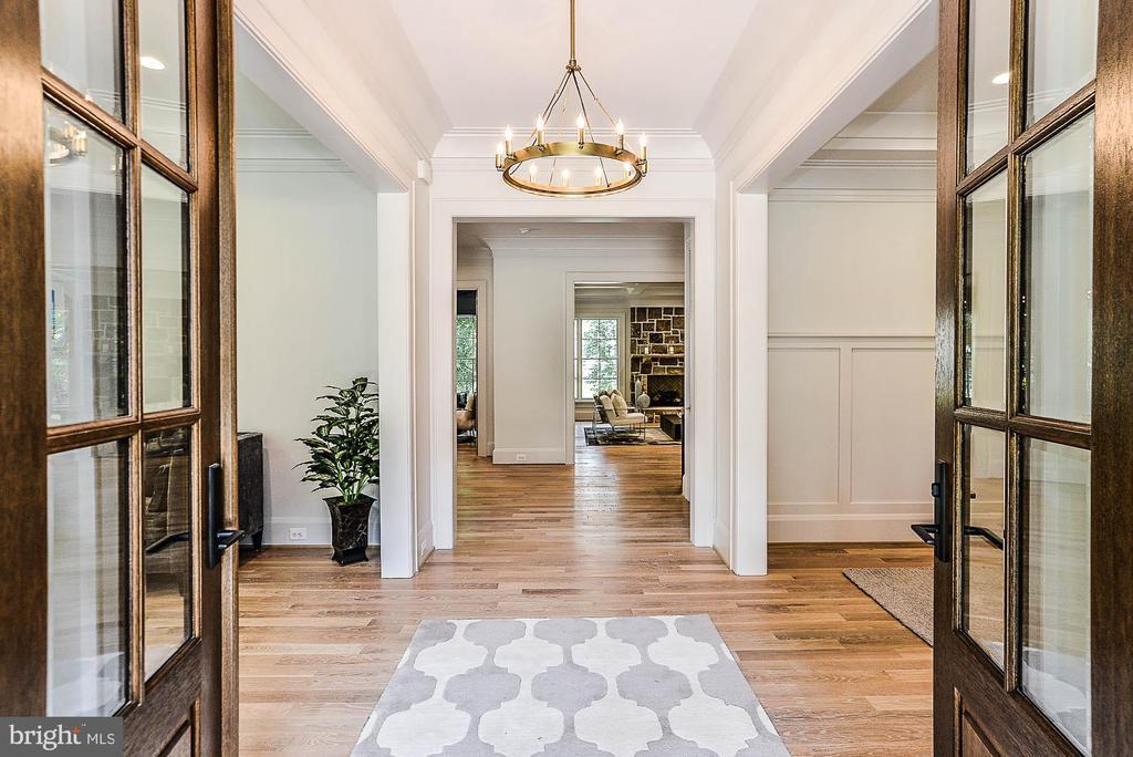 Double Door Entry into Foyer - 7004 ARBOR LN, MCLEAN
