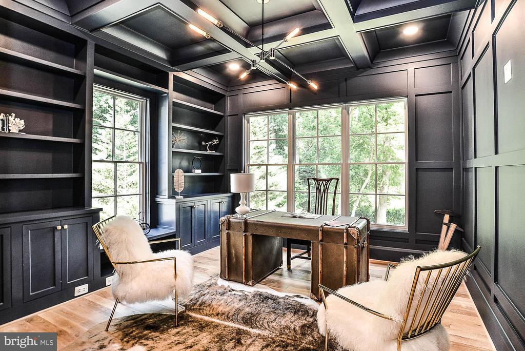 Extensive Millwork in Designer Office or Library - 7004 ARBOR LN, MCLEAN