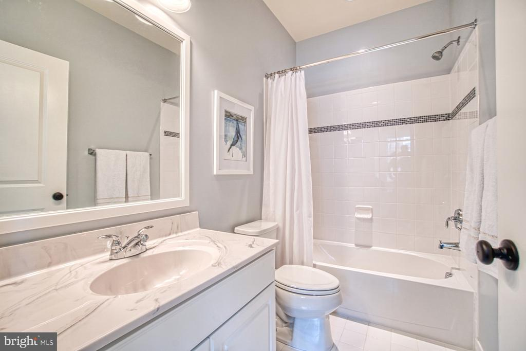 Third Full Bath - 22478 CAMBRIDGEPORT SQ, ASHBURN