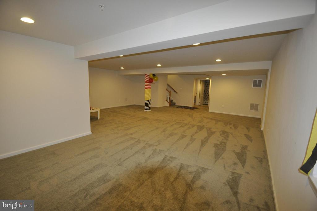 Recreation Rm  - Separate Office / BR and Sep Bath - 1421 VILLAGE GREEN WAY, BRUNSWICK