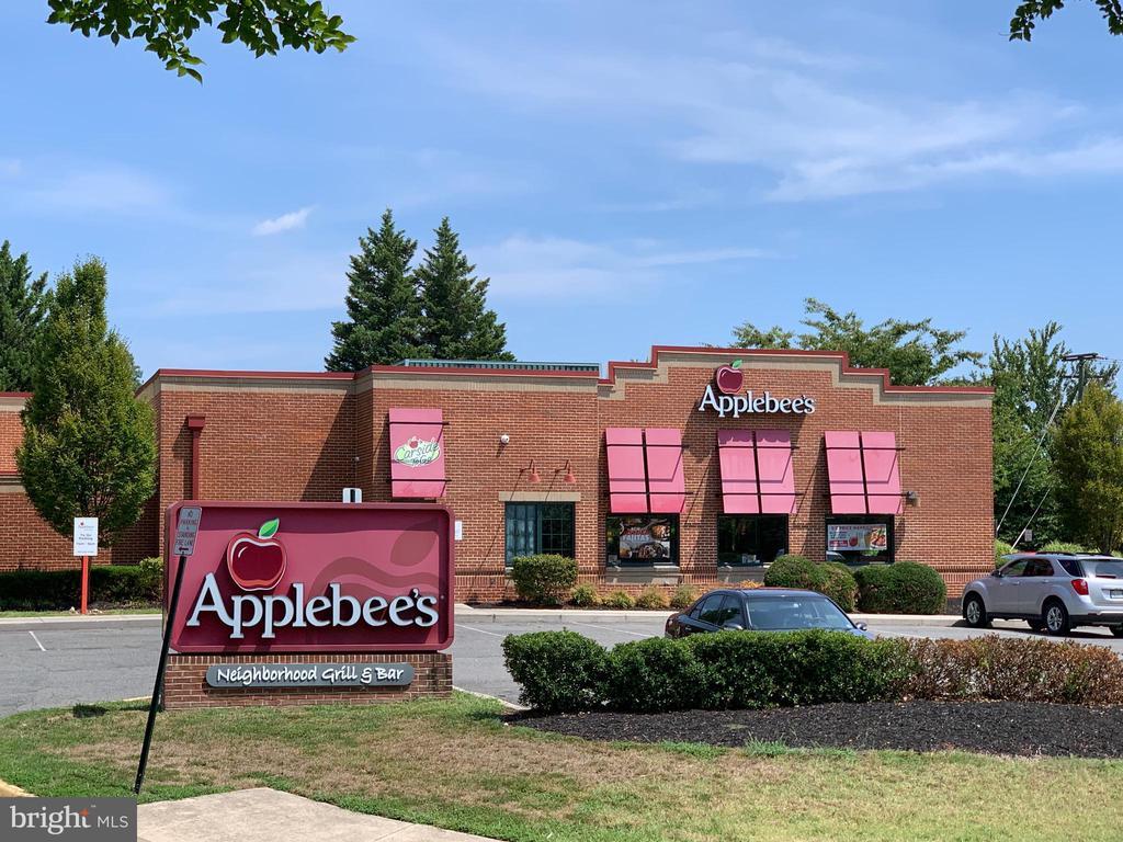 Walk to Applebee's - 3371 YOST LN #C-202, DUMFRIES