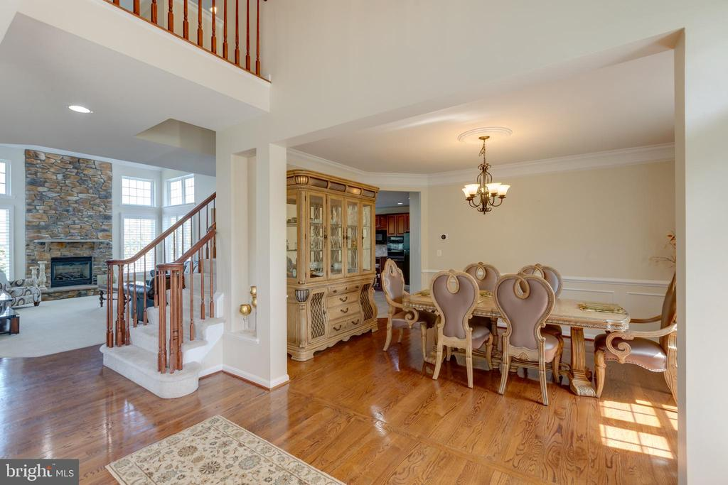 Dining room just off kitchen, hardwood - 42022 GLASS MOUNTAIN PL, ALDIE