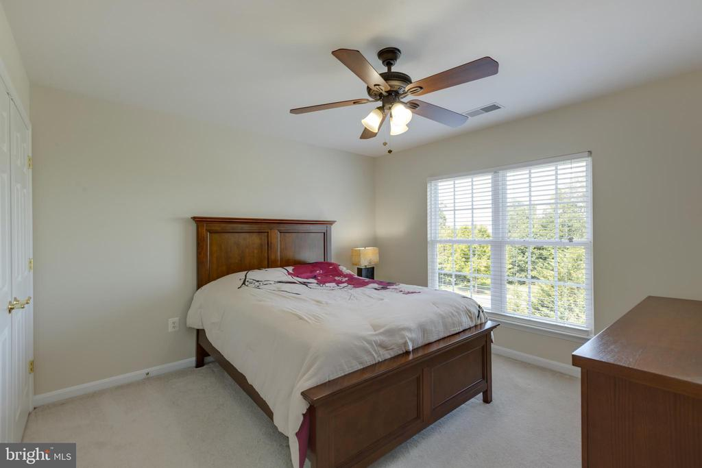 3rd upstairs bedroom - 42022 GLASS MOUNTAIN PL, ALDIE