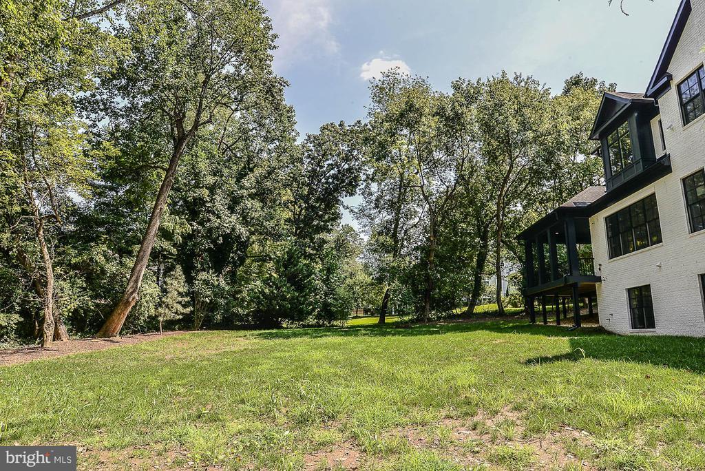 Ample Play Space in Rear Yard - 7004 ARBOR LN, MCLEAN