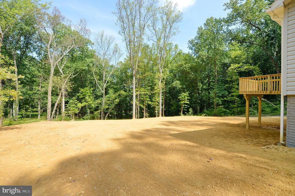 Located on a Huge Lot with Treed View - 126 WHITE POPLAR, HARPERS FERRY