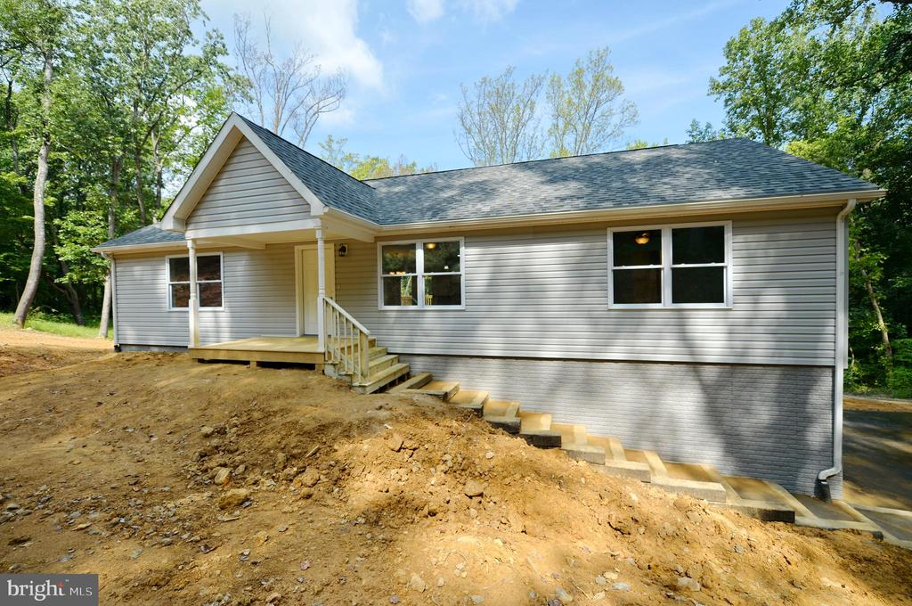 Custom Built and Move-in Ready - 126 WHITE POPLAR, HARPERS FERRY