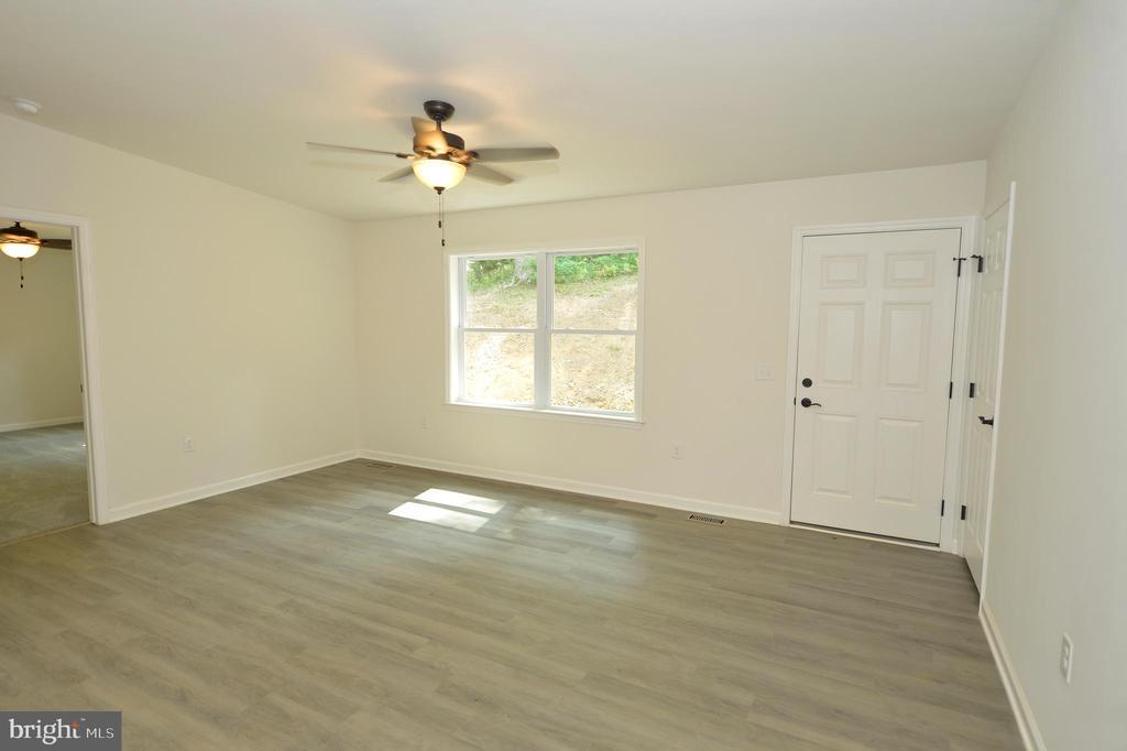 Formal Living Room - 126 WHITE POPLAR, HARPERS FERRY