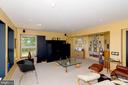 Full daylight family room in lower level - 74 WOODCUTTERS LN, HARPERS FERRY