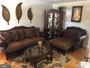 Spacious Living Rm to hold oversized furniture - 10610 LIMBURG CT, FREDERICKSBURG