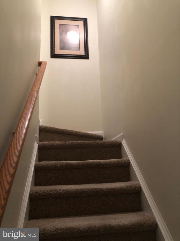 Stairs to 2nd Level - 10610 LIMBURG CT, FREDERICKSBURG