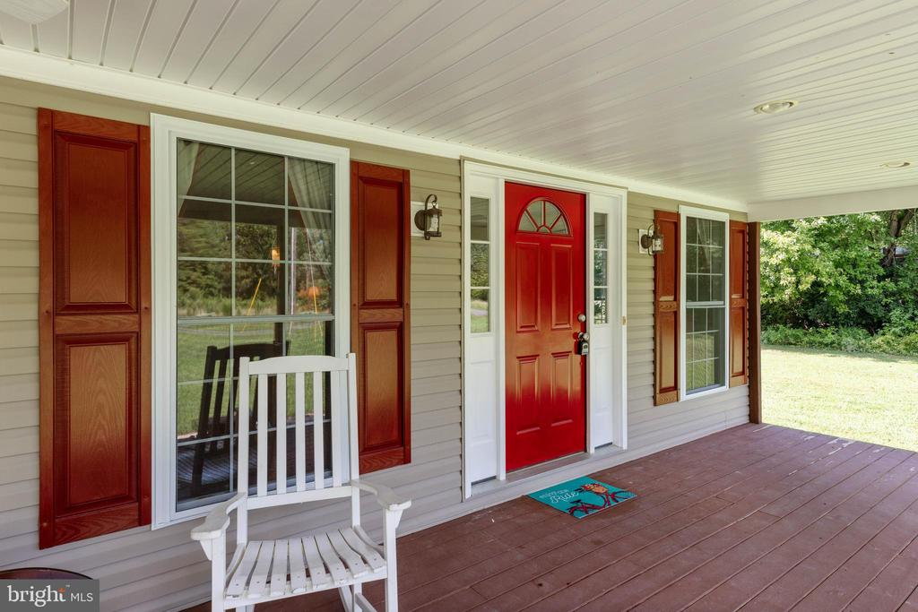 Relax like you are on vacation every day! - 144 AQUA LN, COLONIAL BEACH