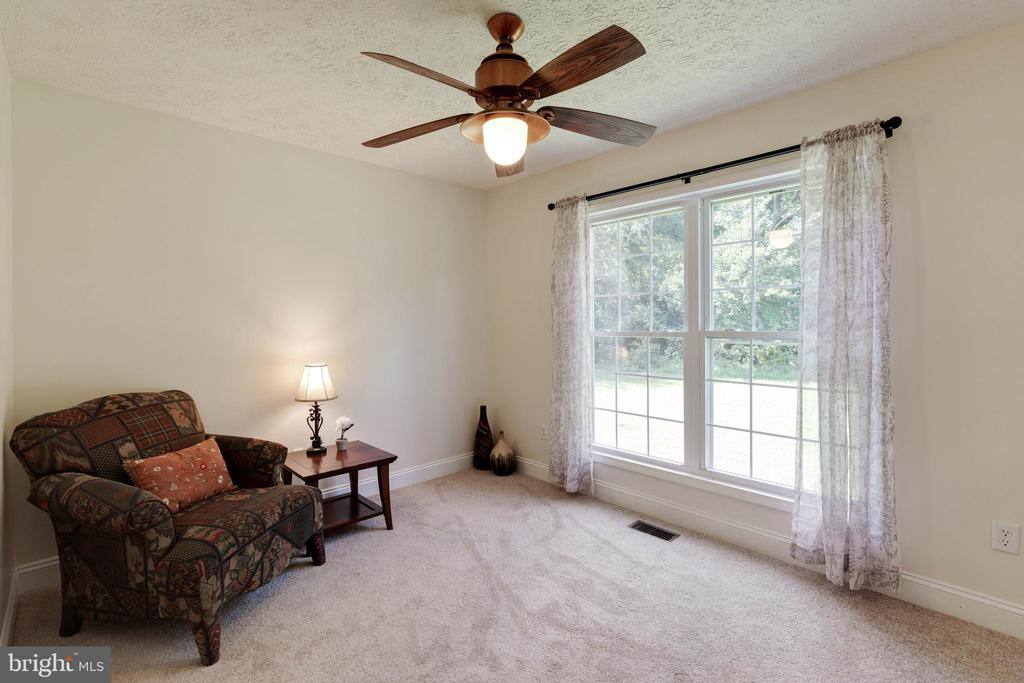 Second bedroom with lovely, full windows - 144 AQUA LN, COLONIAL BEACH