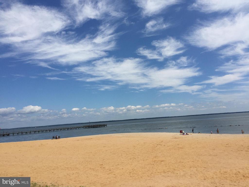 10 minutes from Colonial Beach proper - 144 AQUA LN, COLONIAL BEACH