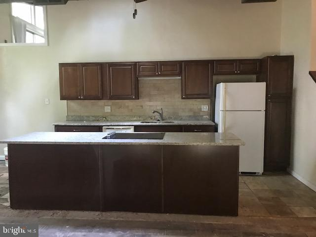 Kitchen features expansive island - 4611 LAKEVIEW PKWY, LOCUST GROVE