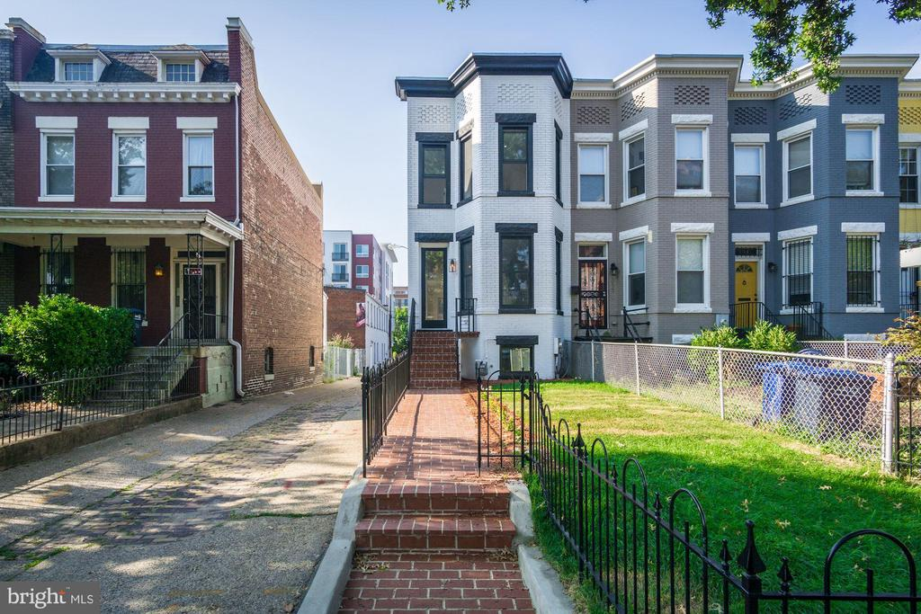 - 319 K ST NE, WASHINGTON