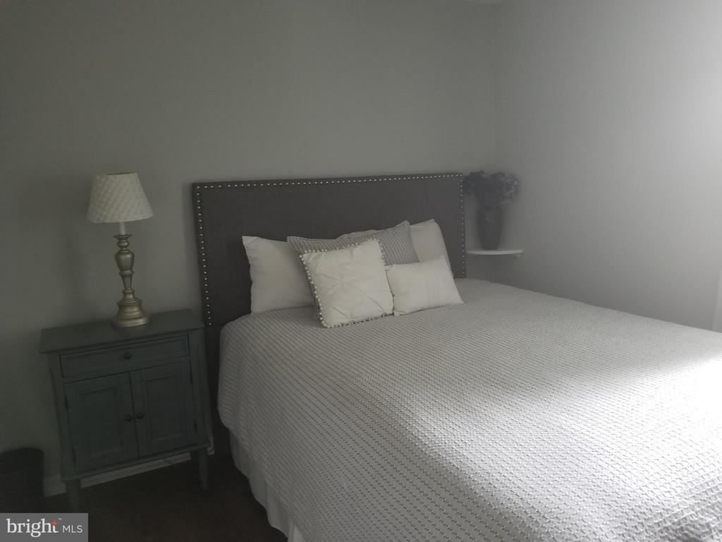 Bedroom 2 - 256 N COTTAGE RD, STERLING