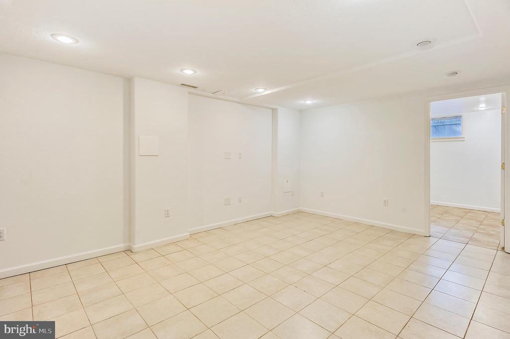 Basement Rec Room #2/ Hobby Room - 6008 NASSAU DR, SPRINGFIELD