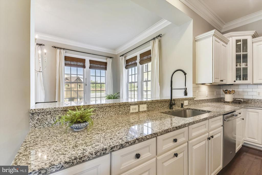 Beautiful Granite Countertops - 41669 APPLEYARD PL, ASHBURN