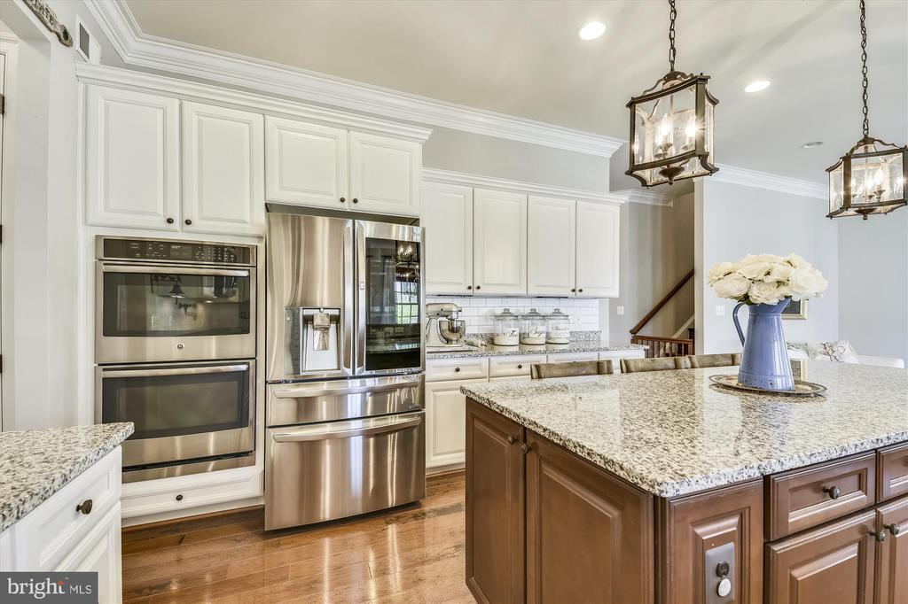 All Modern, Stainless Steel Appliances - 41669 APPLEYARD PL, ASHBURN