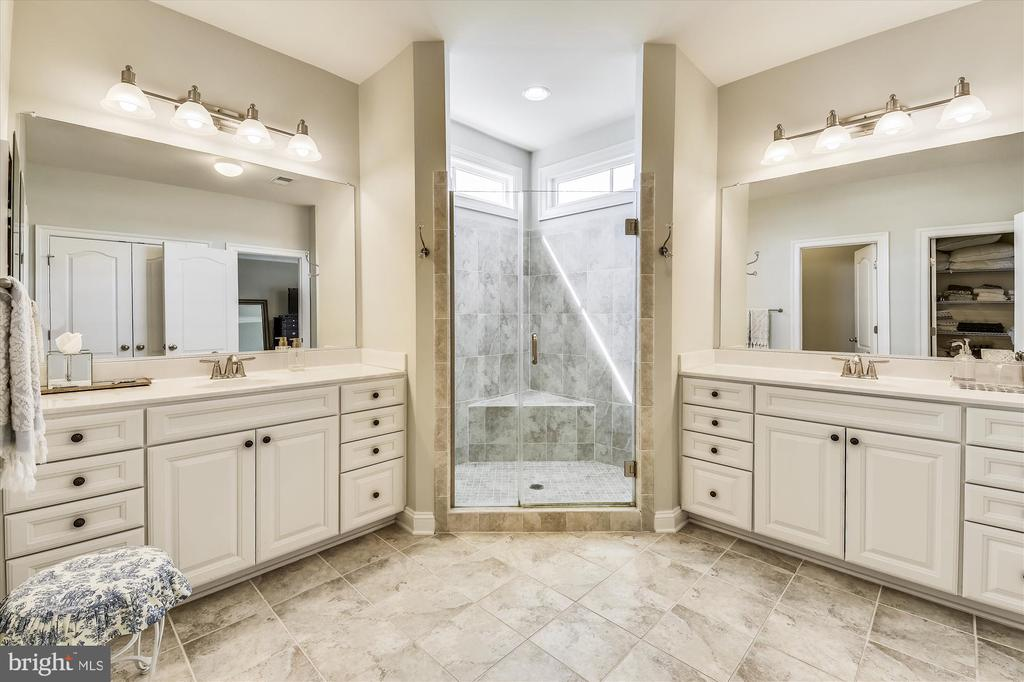 Master Bathroom for Two! - 41669 APPLEYARD PL, ASHBURN