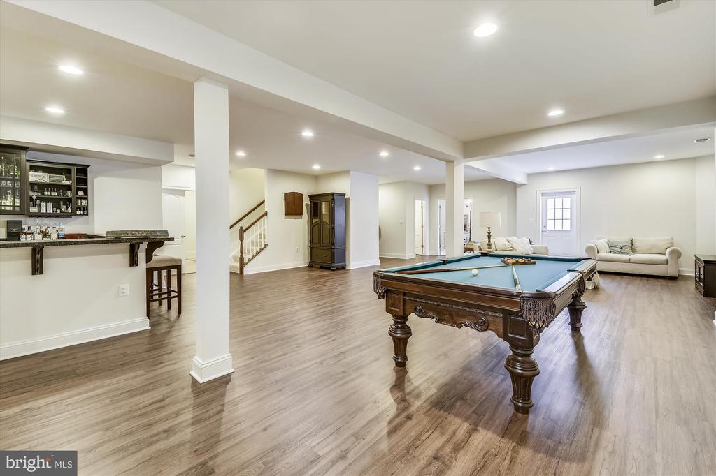 Beautiful Floors and Open Space = Great Game Room! - 41669 APPLEYARD PL, ASHBURN
