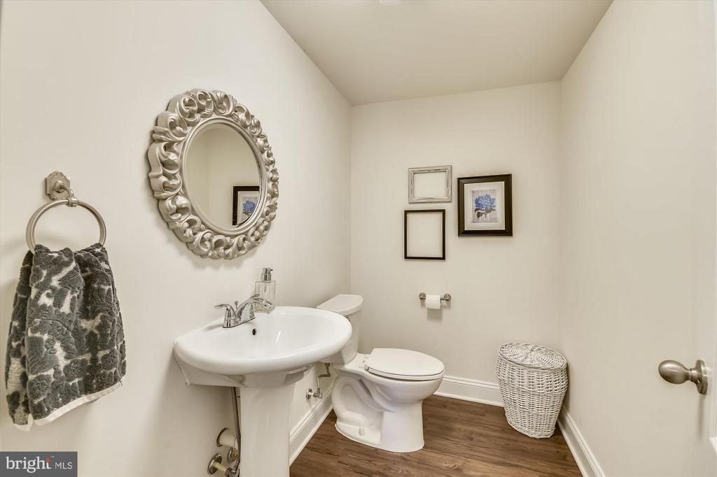 Powder Room in Basement - 41669 APPLEYARD PL, ASHBURN