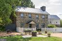 18th century stone cottage - 19312 WALSH FARM LN, BLUEMONT