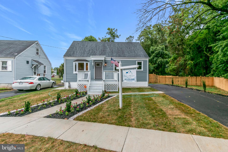 Single Family Homes 为 销售 在 巴尔的摩, 马里兰州 21207 美国