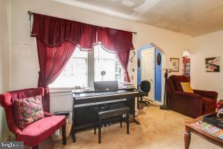 - 18600 STRAWBERRY KNOLL RD, GAITHERSBURG