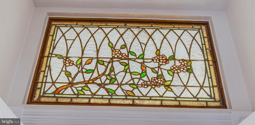 Gorgeous stained glass  above main hallway door - 504 LEWIS ST, FREDERICKSBURG