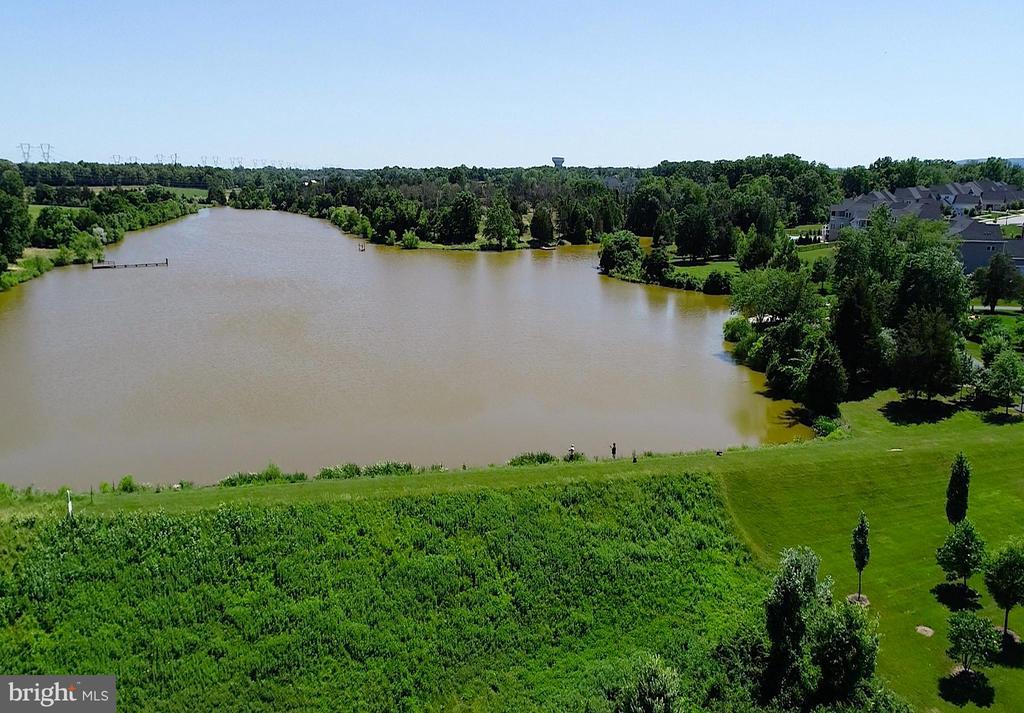 Quail Ridge Lake- community amenities - 24177 STATESBORO PL, ASHBURN