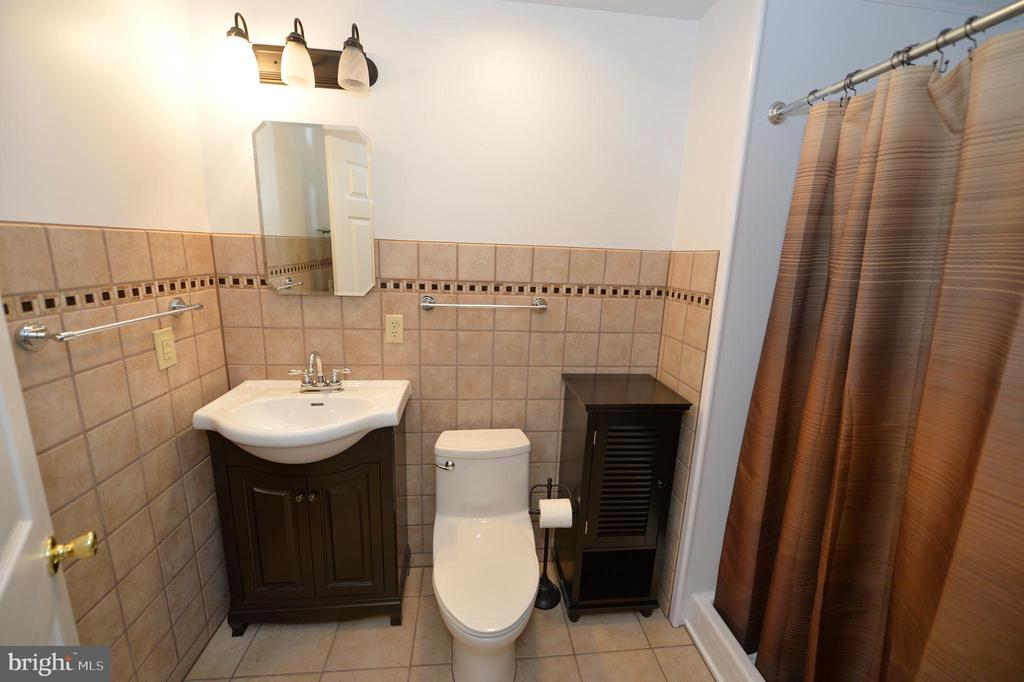 Lower Level Full Bath - 136 FORTRESS DR, WINCHESTER