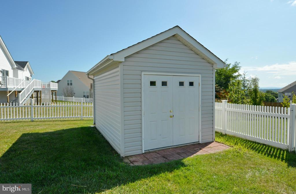 Gardeners Shed - 136 FORTRESS DR, WINCHESTER