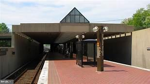 Close to Dunn Loring and W Falls Church Metros - 2718 PIONEER LN, FALLS CHURCH