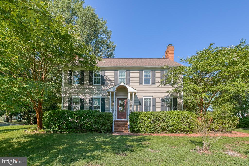Country charm home - 112 CLEREMONT DR, FREDERICKSBURG