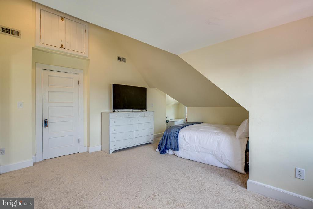 Bedroom #6 - 504 LEWIS ST, FREDERICKSBURG