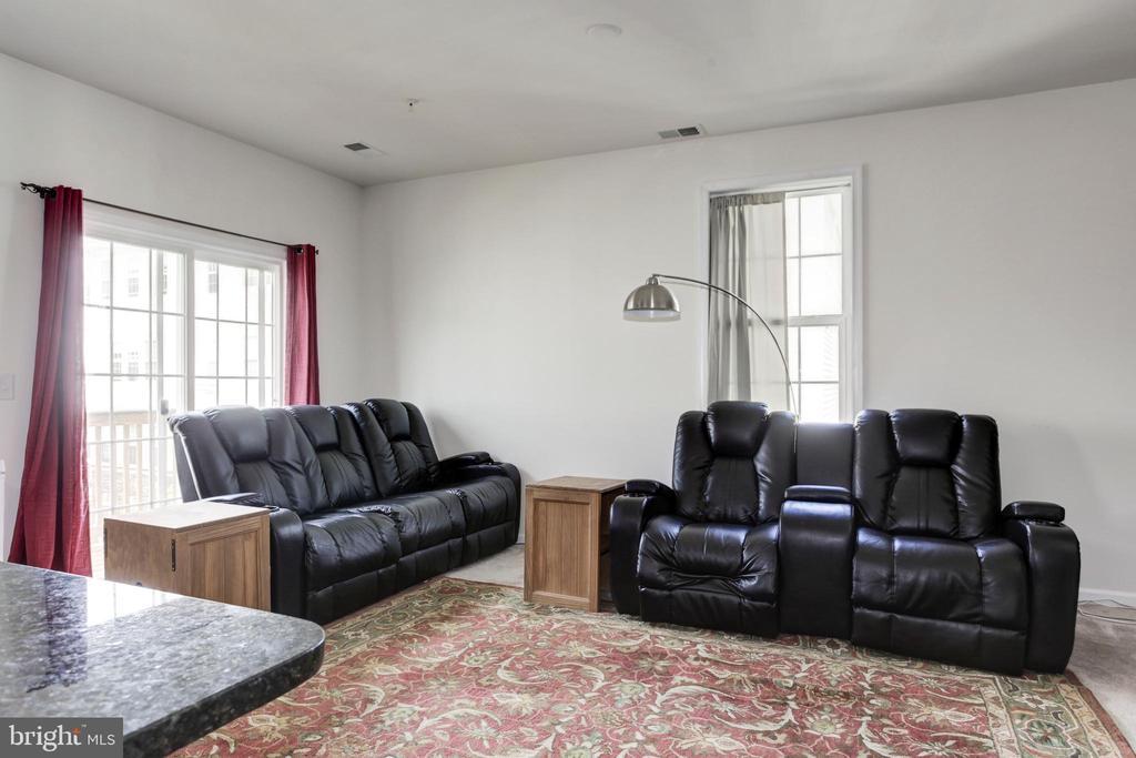 Family Room - 42294 SAN JUAN TERRACE, ALDIE