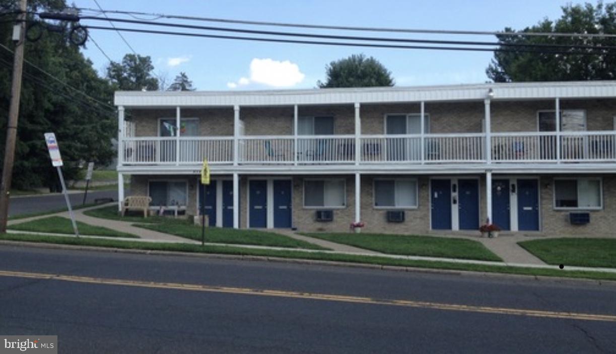 Single Family Homes 為 出售 在 Runnemede, 新澤西州 08078 美國