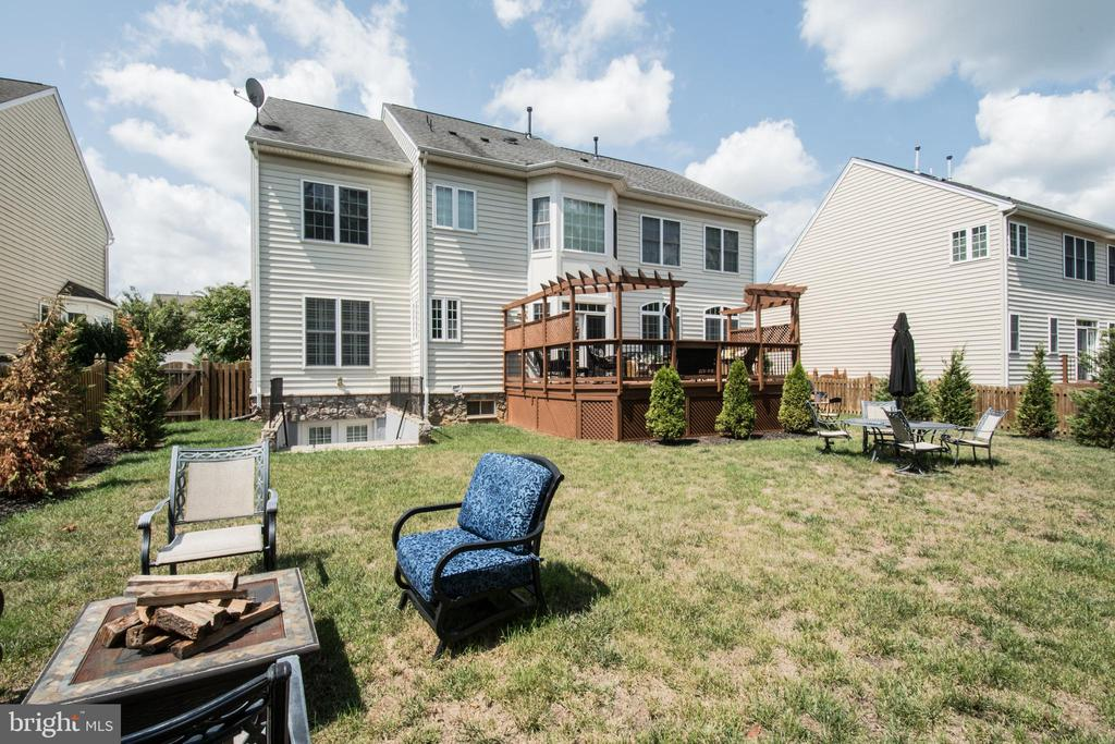 Nice size backyard - 23084 RED ADMIRAL PL, BRAMBLETON