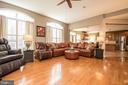 Huge family room - 23084 RED ADMIRAL PL, BRAMBLETON