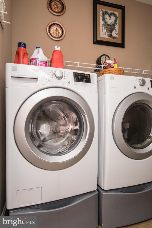 Laundry room on main level. - 23084 RED ADMIRAL PL, BRAMBLETON