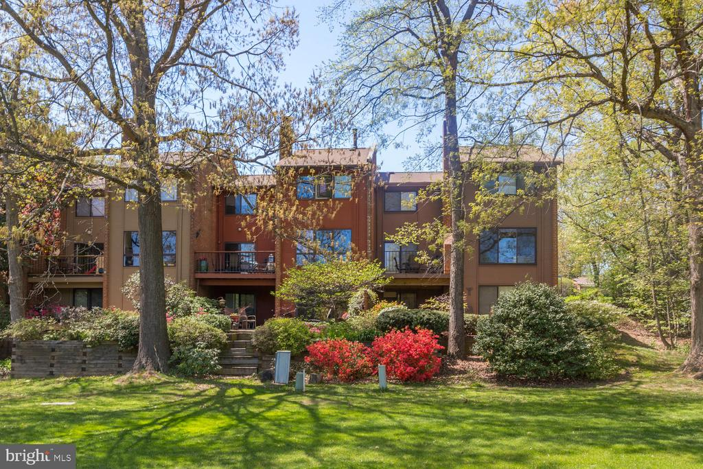 - 11701 INDIAN RIDGE RD, RESTON