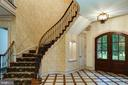 Grand foyer - 9998 BLACKBERRY LN, GREAT FALLS