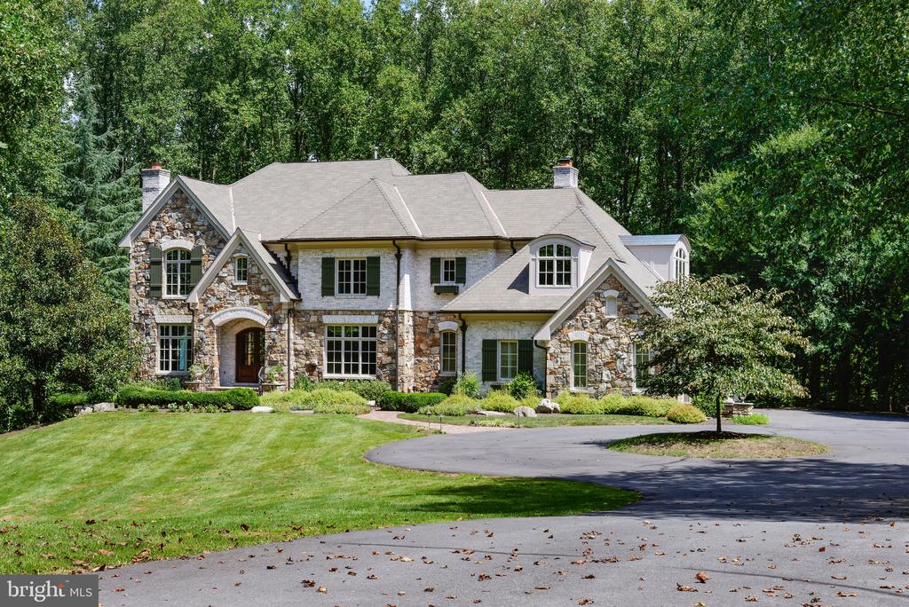 5 acre estate home - 9998 BLACKBERRY LN, GREAT FALLS