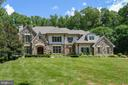Award winning custom home - 9998 BLACKBERRY LN, GREAT FALLS