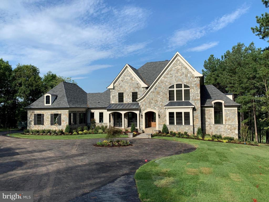 Nearly Complete - 22469 CREIGHTON FARMS DR, LEESBURG