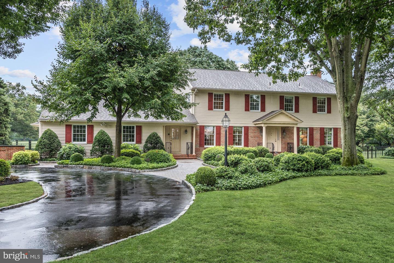 Single Family Homes 용 매매 에 Moorestown, 뉴저지 08057 미국